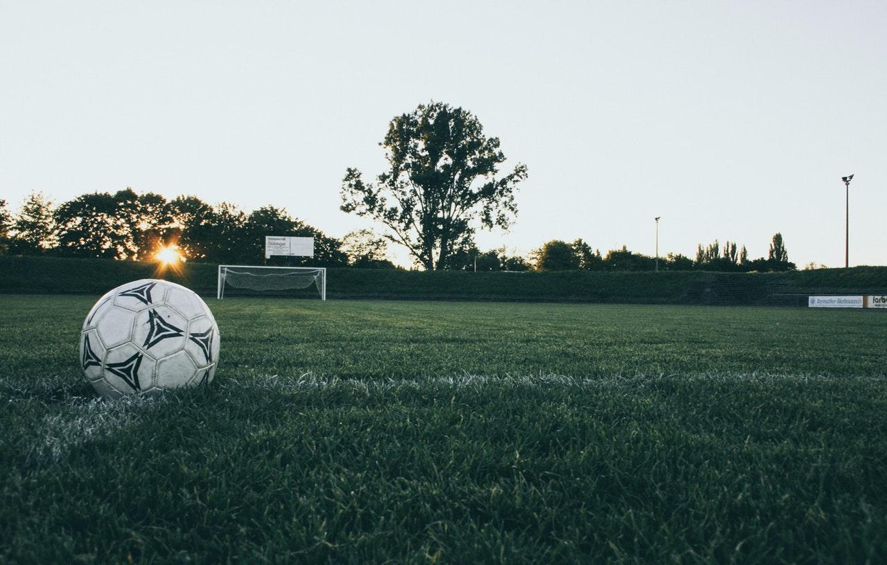 Fotball på gressbane